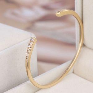 NEW Henri Bendel Gold Crystal Pave Cuff Bracelet